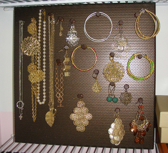 010709_jewelrybulletinboard